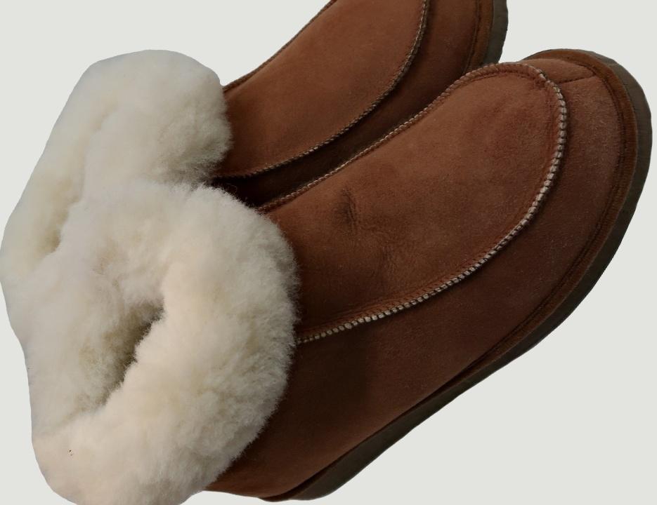 pantufas-bota-pele-de-borrego-sola-cunha-ovelha-online